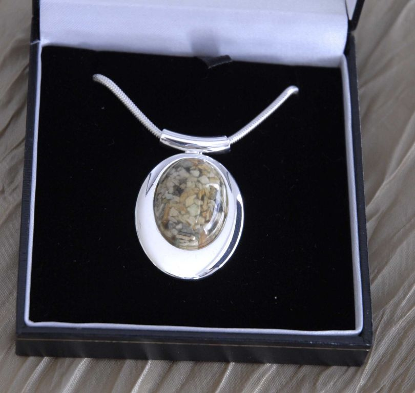 Silver Oval Pendant
