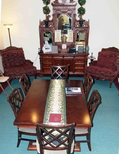 The Family Room at the South Webster Chapel