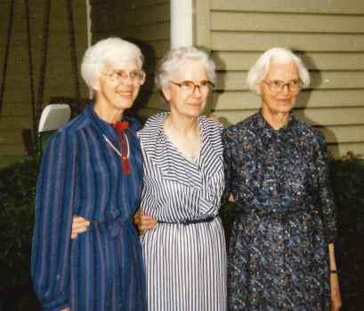 Obituary for Helen Isabel Huntoon (Photo album)