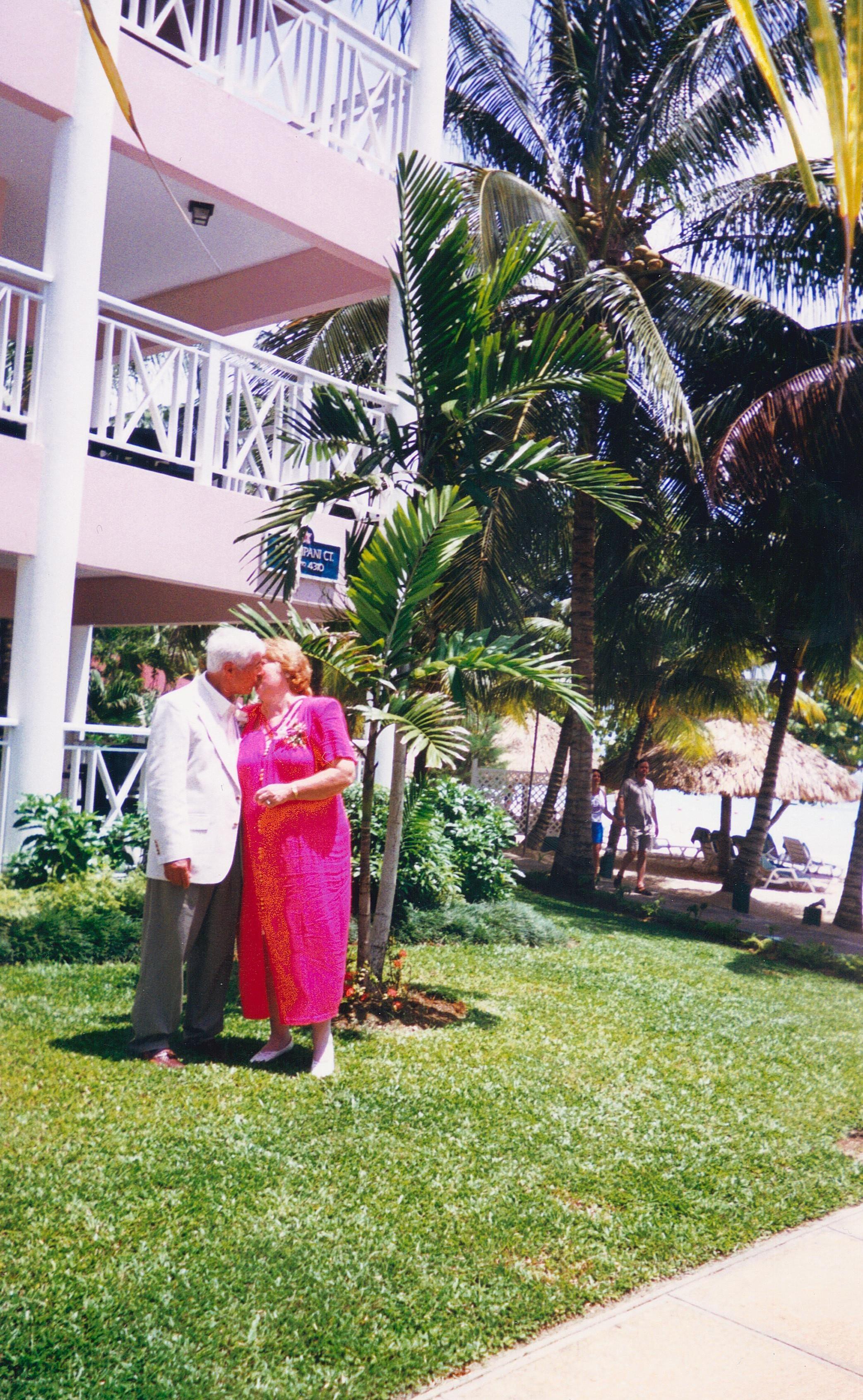 Obituary for Santo Lamancusa (Photo album)
