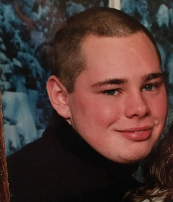 Obituary for Justin Earl Lee | Petit-Roan Funeral Home and
