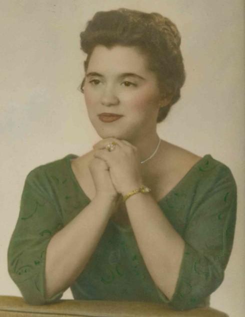 Obituary For Jennie M Folken Johnson County Funeral Chapel Memorial Gardens