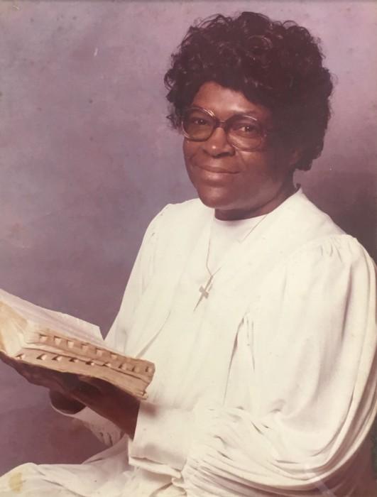 Obituary for Evangelist Carolyn McIntyre | Legacy Funeral