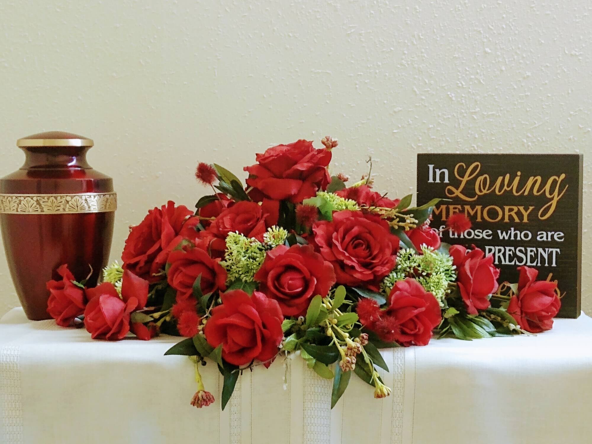 Display of Urn and flowers at Vilonia Funeral Home