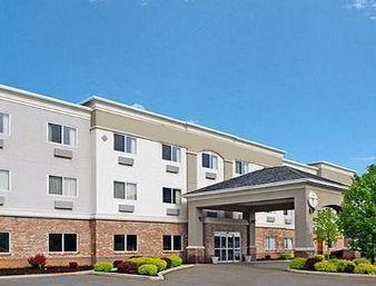 1.  Baymont Inn  Suites Noblesville