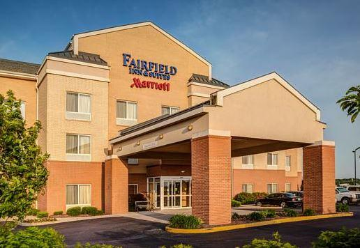 4. Fairfield Inn  Suites