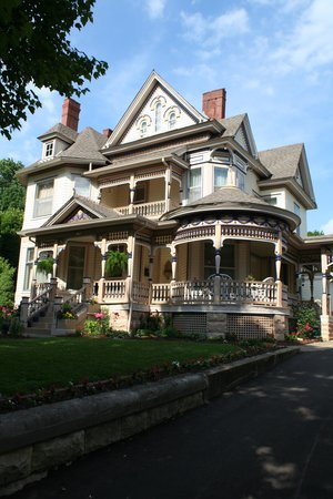 Gladden House Bed and Breakfast