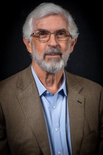 ROBERT E. LINDQUIST