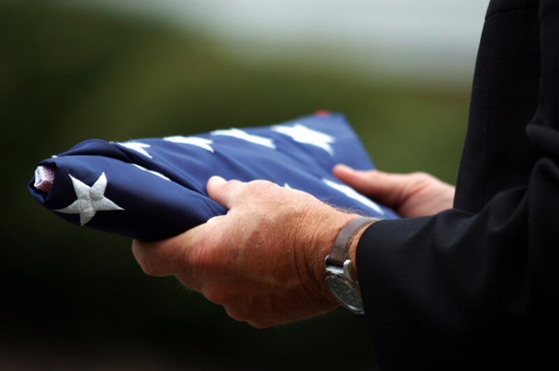 Qualify for a Veteran's Burial Flag