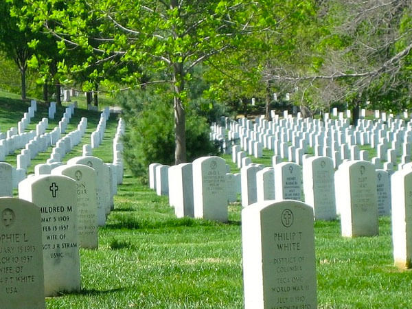 Veterans Headstones at Leavitt's Mortuary & Aultorest Memorial Park