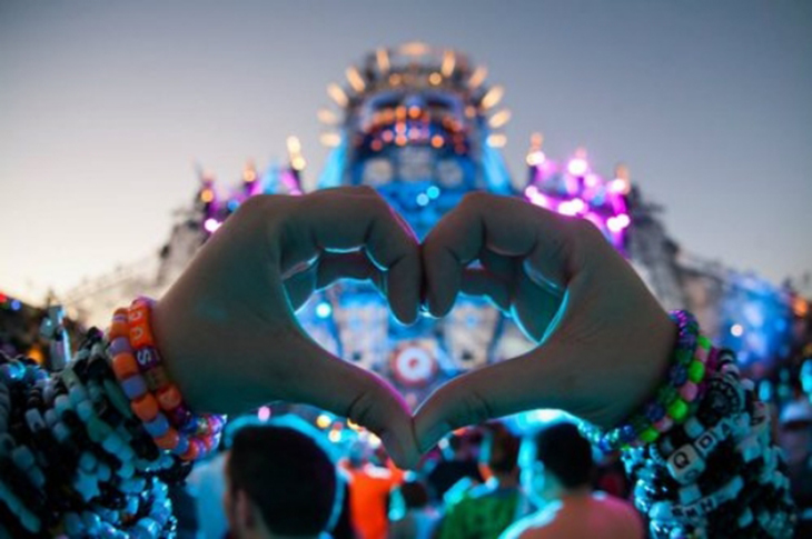 PLUR, heart, kandi, rave, dating, peace, love, unity, respect