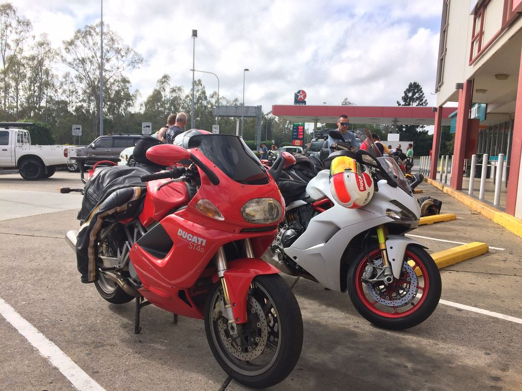 SUNDAY 15 NOVEMBER 2020 CLUB RIDE TO POMONAA taste of early summer humidity arrived for the club ride and we were standing in our leathers at the BP Carseldine with sweat dripping from our brow, eve