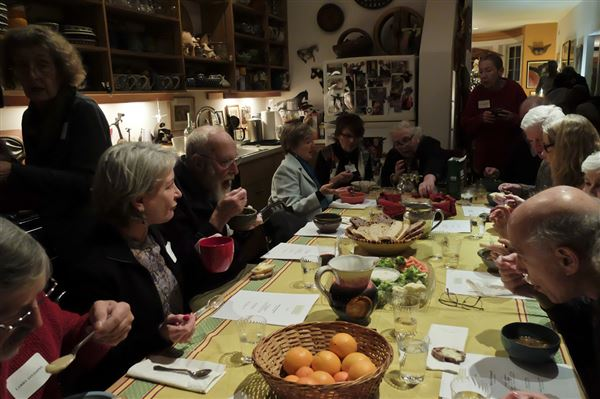 Members gather for homemade soups and to meet fascinating people in arts, politics, literature, and more who share their insights and uncover local treasures.