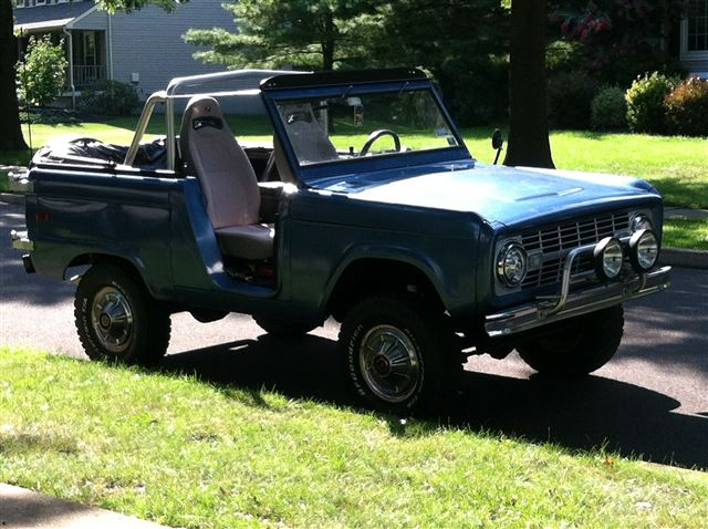 Pix of my 70 Bronco dating back to the 1970's