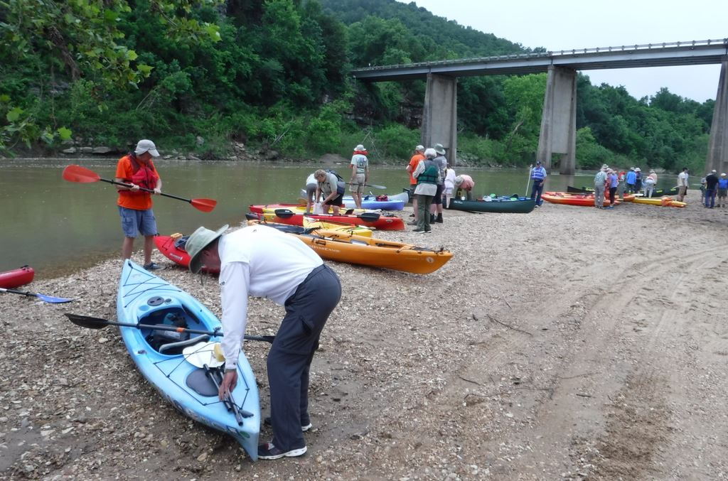 FAMN_river_cleanup_193600804.jpg