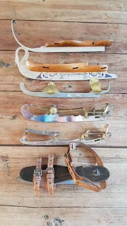Collection skates by Eduard Engels from Remscheid from Germany. These 6 single skates were used for the World Exhibition of Paris in 1867 !!There is also included a swan skate wich is spectacular en