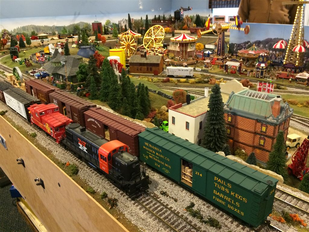 November 26, 2016 Tommy's CGLR Railroad is a stop on the Tour de Chooch!