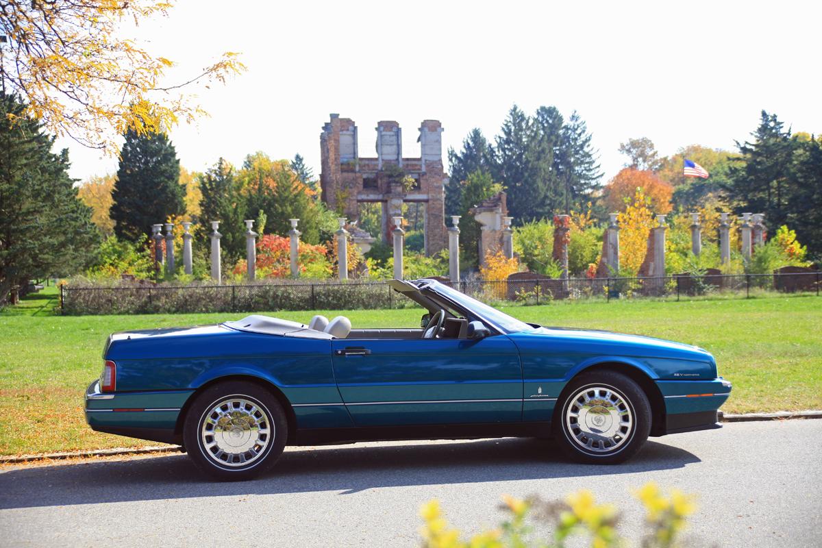 Allante / XLR Of The Month - The Cadillac Allante XLR Club