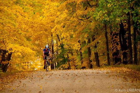 Fall Foliage ride hosted by Deb & Dean Mathias uses Mt Horeb, WI as a base for beautiful and challenging routes in SW Wisconsin.