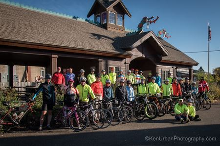 Fall Foliage Ride hosted by Deb & Dean Mathias is an October tradition. Mt Horeb, WI is the base for a weekend of riding in the rolling hills and winding roads of SW Wisconsin.