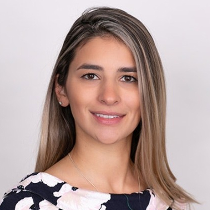 Amanda Major headshot portrait