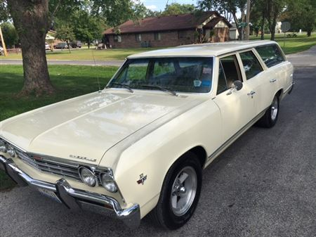 1967 Malibu wagon, 327, 700R4, PS, PB, power windows, power seat, cruise, tilt, AM/FM Multiplex