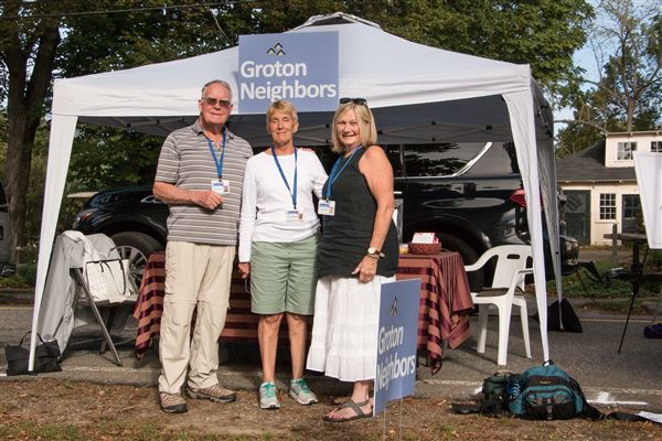 Groton Neighbors had a well-visited booth at GrotonFest on September 23, 2017.   More than a dozen people signed up to join or to learn more.  Eleven members took overlapping shifts at the booth.