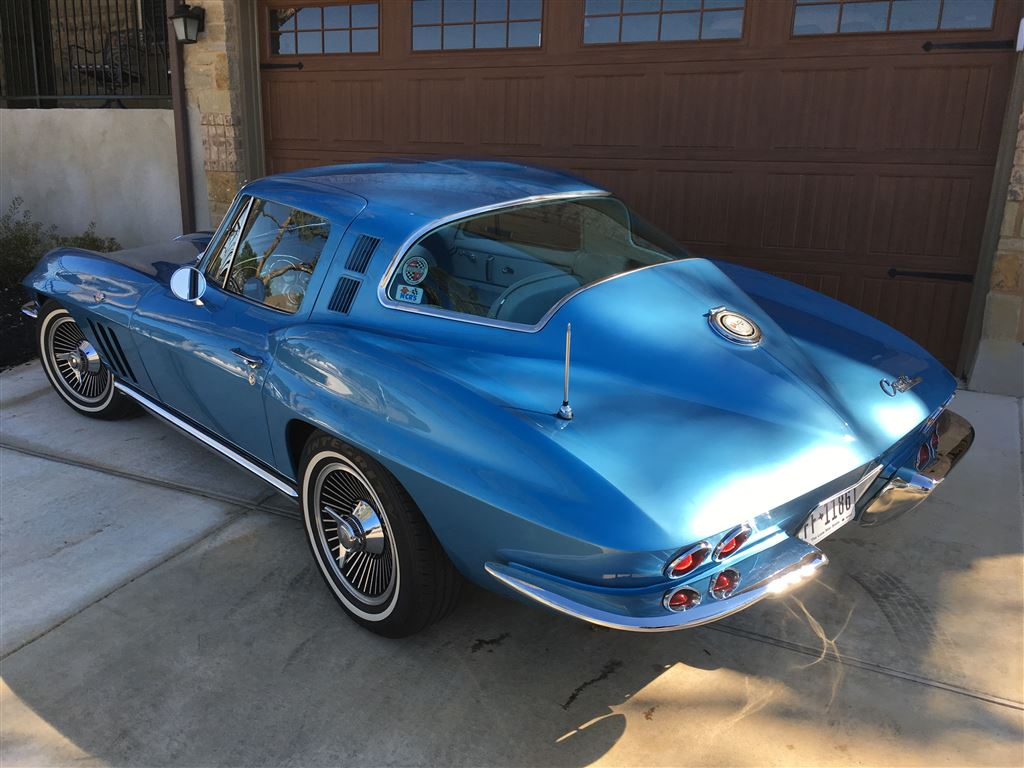 Pics of my vette.