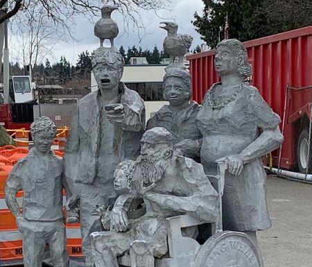 Statue by Arnie