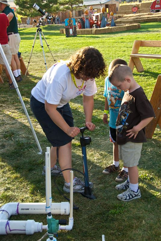 UROC hosted a booth at the crazy cornmaze event at Thanksgiving point talking about rockets and science.