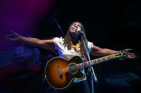 photo of ruthie foster