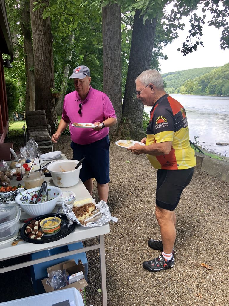 Sandy Creek Trail and picnic