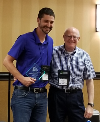 Best IT Project - Randy Vanatter receiving award from Craig Paull