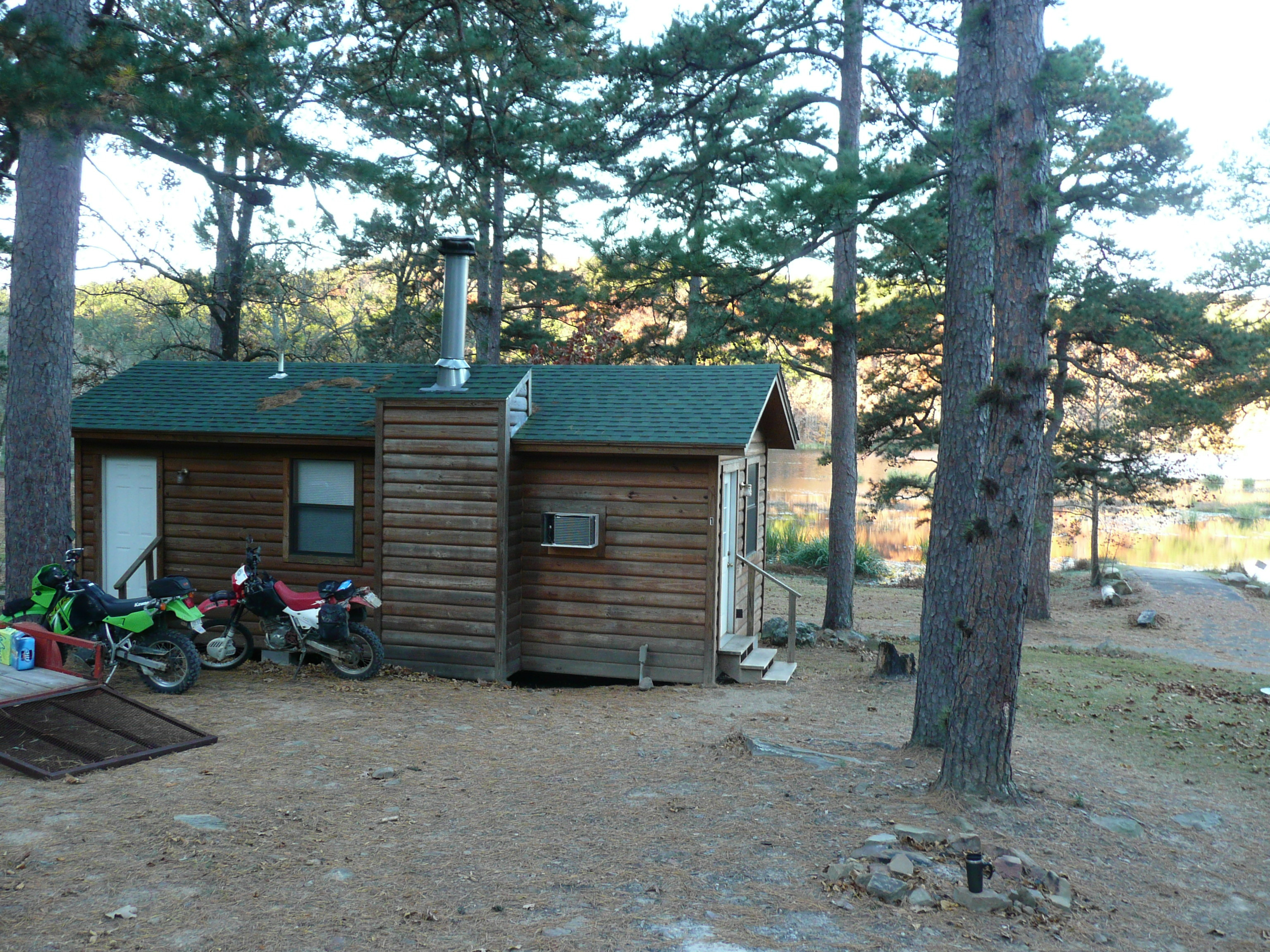 Cabin at Clayton Lake
