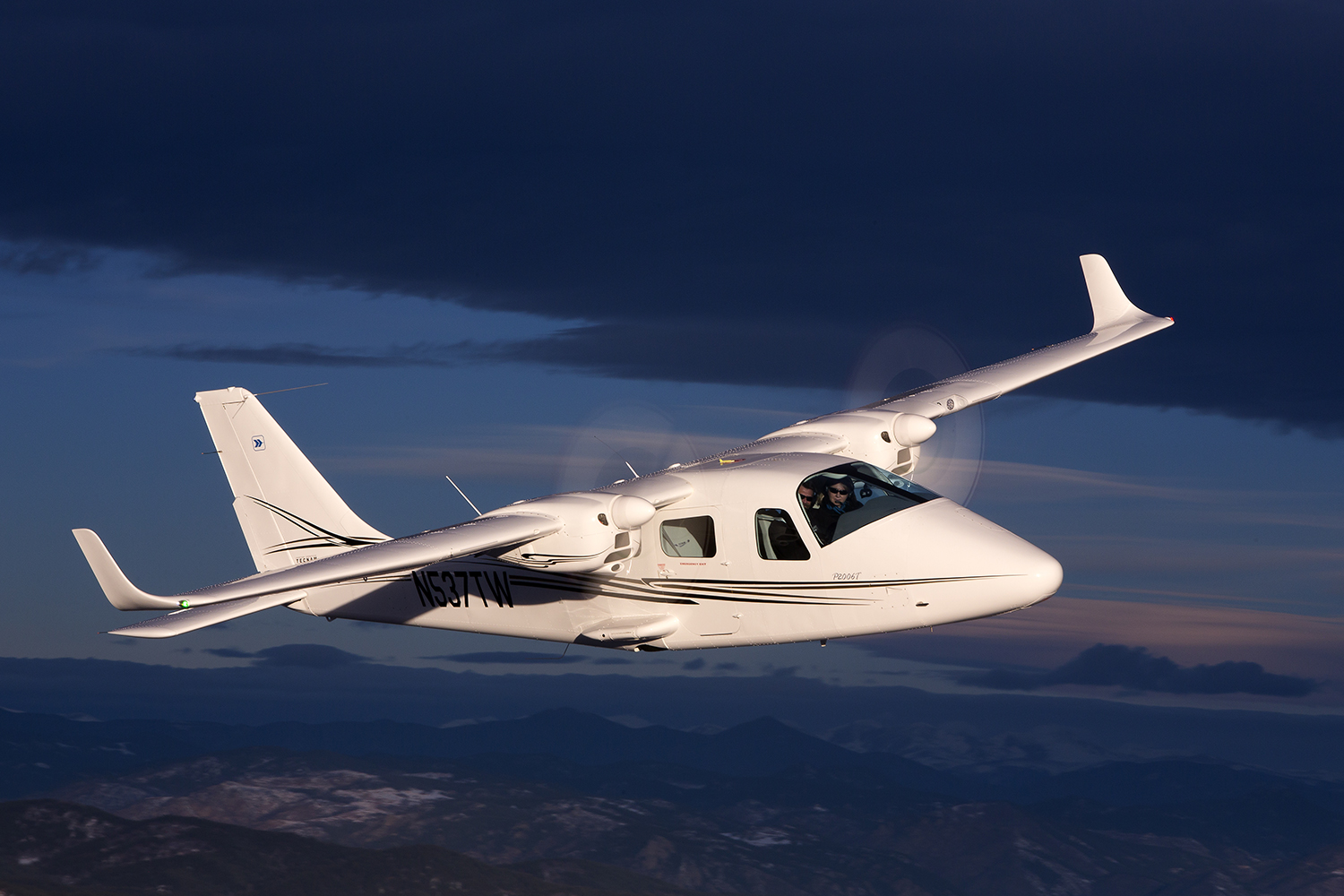Tecnam P2006T by Mitch Bowers