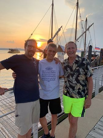 Three POWYC Captains ventured down to National Harbor Marina and spent the night to check out Oasis Marinas Cruisers Club benefits.
