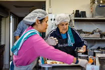Community kitchen volunteer