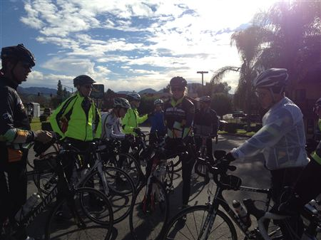 Photos from the New Year's Day ride.  Thank you all for coming out on a chilly but heart-warming ride.  What a great way to start the New Year.