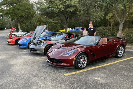 Niftee 50's Car Club invited all generations of Corvettes to join them in saluting our police forces.  Great turnout