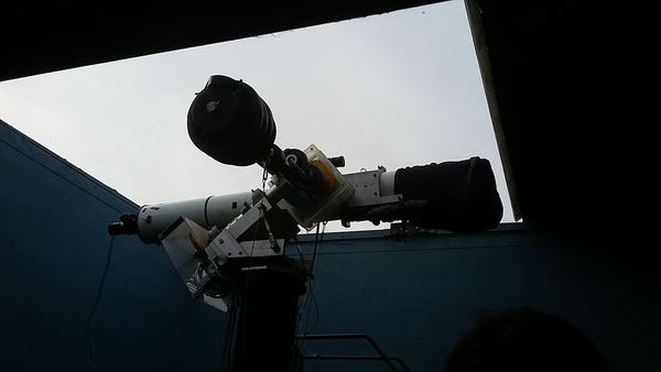 Team effort removing Don D'Egidio's personal property from the observatory, along with the optical assembly for the DVAA's 8-inch D&G refractor.  DVAA's 12.5-inch reflector and mount left behind.