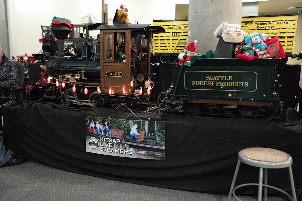Here are views of Kitsap Live Steamers trains at the state history museum's annual Model Train Festival and at the Great American Train Show