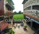 casa de 10 y medio cuartos $700000 cuc  en calle 206  fontanar, boyeros, la habana