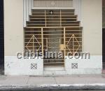 casa de 3 cuartos $700 cuc  en calle ayestaran príncipe, plaza, la habana