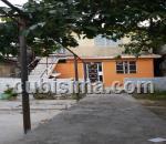 casa de 3 cuartos $23500 cuc  en calle e poey, arroyo naranjo, la habana