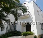 casa de 5 cuartos $900000 cuc  en kohly, playa, la habana