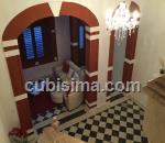 casa de 6 cuartos $180000 cuc  en calle cuba  santa clara, villa clara