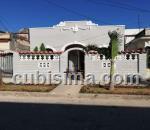 casa de 4 cuartos $280000 cuc  en calle 15 /50 y 52, playa playa, la habana