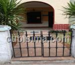 casa de 3 y medio cuartos $140 cuc  en calle 13 vedado, plaza, la habana