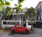 casa de 6 cuartos $310000 cuc  en calle 4 vedado, plaza, la habana