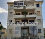 apartamento de 3 y medio cuartos $250000 cuc  en calle 1ra miramar, playa, la habana